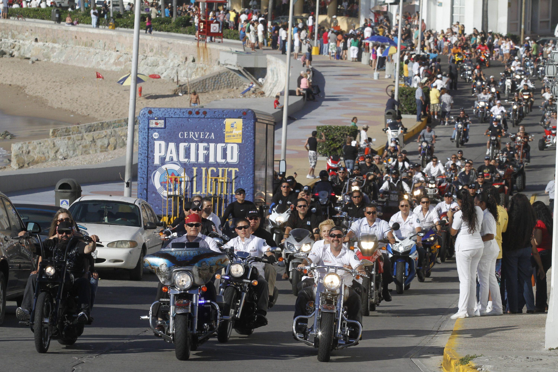 desfile semana de la moto seguimiento de malova