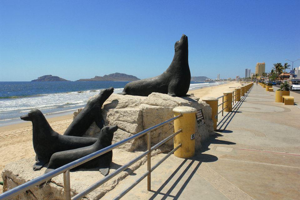 Monumento-Los-Lobos-Marinos