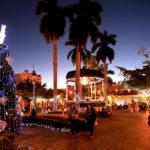 Luces navideñas iluminan las bellas calles mazatlecas